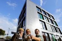 Übergabe der Schlüssel Herr Müller, Frau Vetter, Frau Stickel